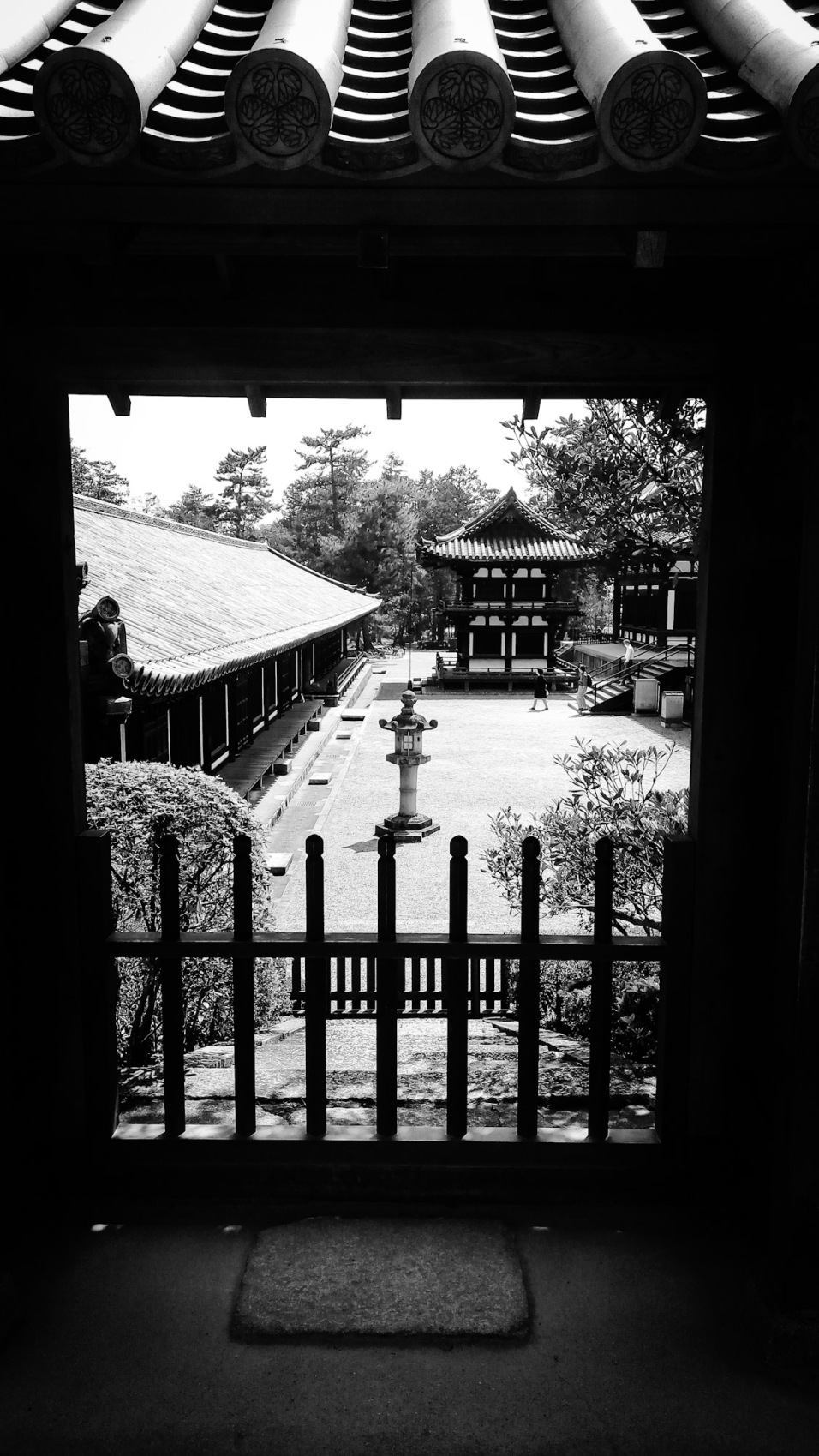 Urban photos – Gojocho, Nara, Japan. 'Toshodaiji Temple.' Complete image from my latest travel art blog article 'Sakura Japan.' Now online - sketchbookexplorer.com @davidasutton @sketchbookexplorer Facebook.com/davidanthonysutton #photography #japan #nara #buddhism #meditation #samurai #travel #travelblog #cherryblossom #cherryblossomseason #cherryblossomjapan