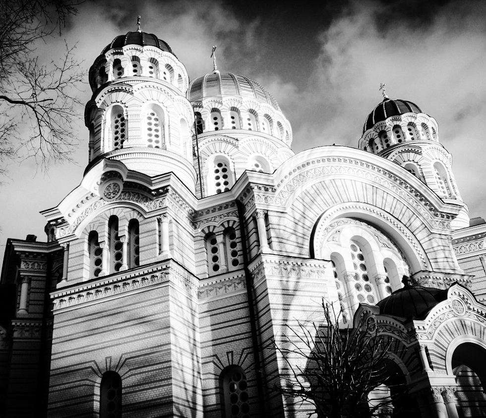 Urban photo – Brīvības Bulvāris, Riga, Latvia. 'Riga Nativity of Christ Cathedral.' Completed in 1883, with the approval of Russian Tsar Alexander II, this is the largest Orthodox cathedral in Riga. @davidasutton @sketchbookexplorer Facebook.com/davidanthonysutton #photography #latvia #riga #b&w #travel #travelblog #orthodoxcathedral